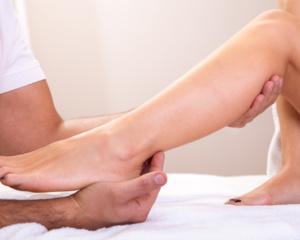 1465987145_sports-deep-tissue-massage